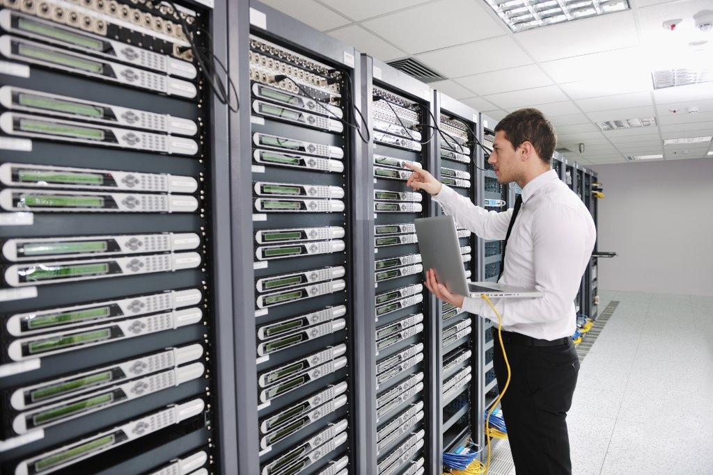 Cas Install Air Con Unit In Edinburgh Hospital Server Room